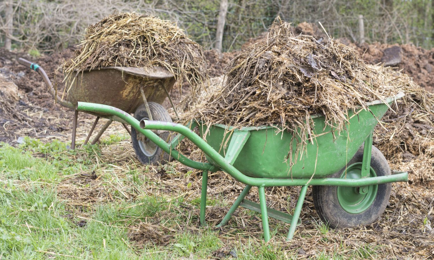 diy upcycled wheelbarrow compost bin